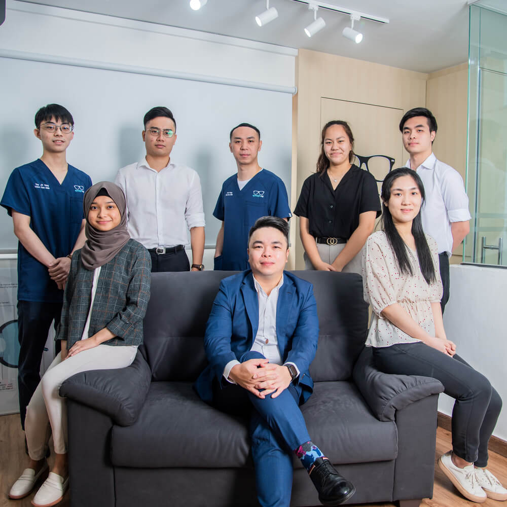 our team of optometrists in Singapore