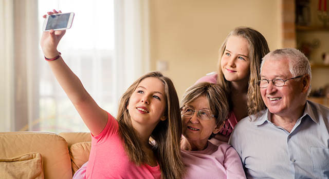 family-selfie-parkinson_640x350