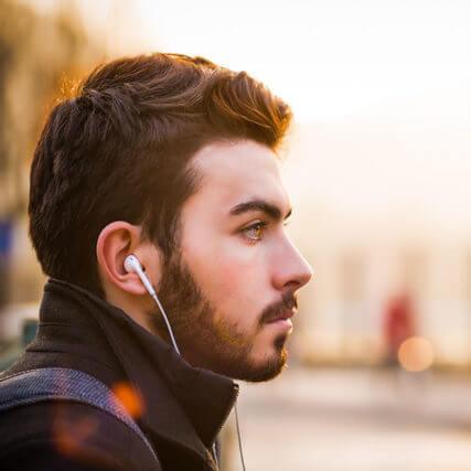 man-profile-headphones_640-427x427