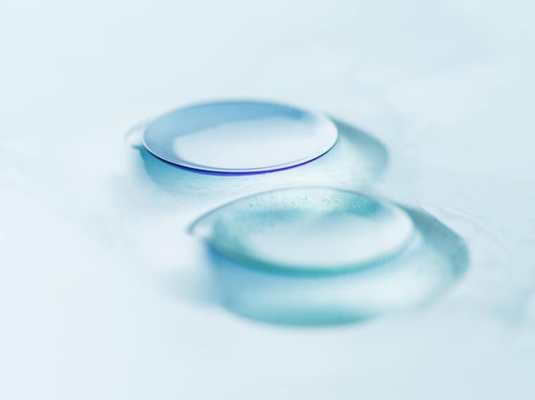 detail of hard contact lenses QFRQGLL 760×569 (1)