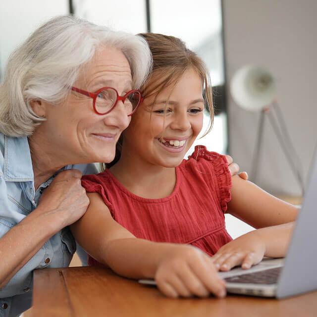 candid laptop glasses ng 1wh glasses ng grandmother granddaughter 1off 640