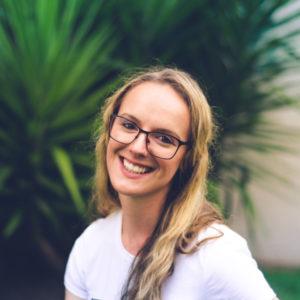 happy-woman-wearing-eyeglasses-640-300x300