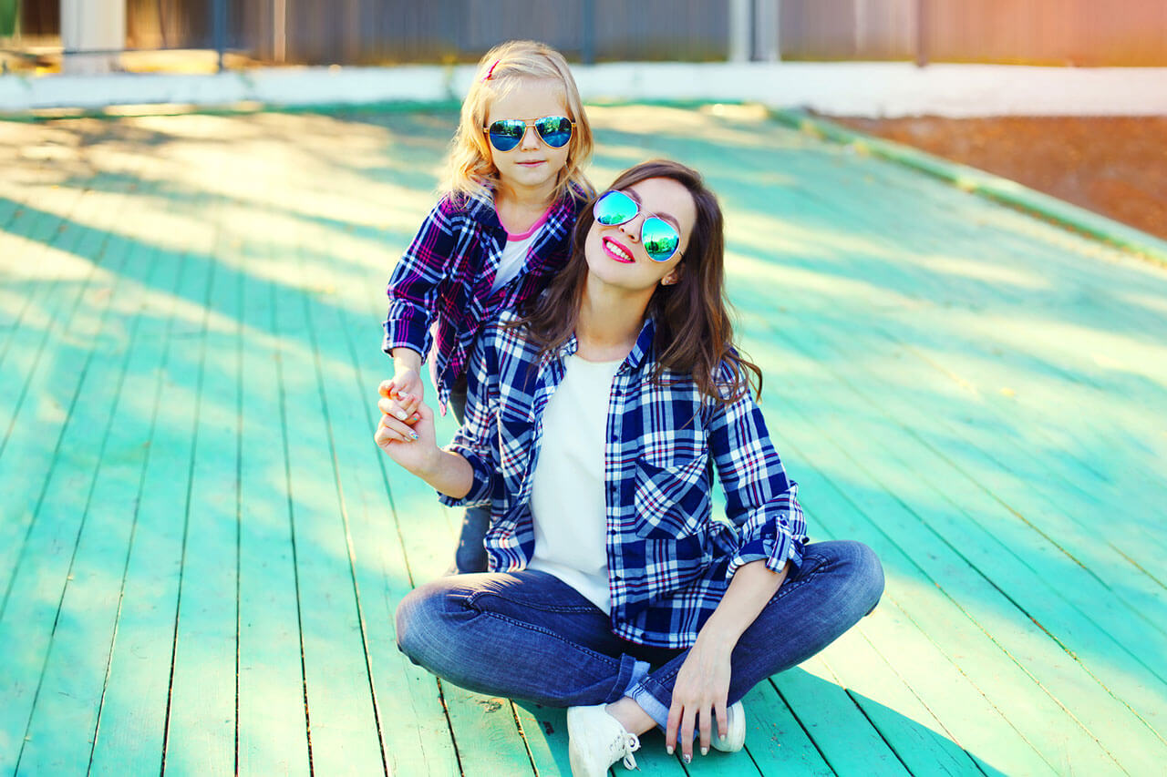 mother daughter plaid shirt glasses 1280