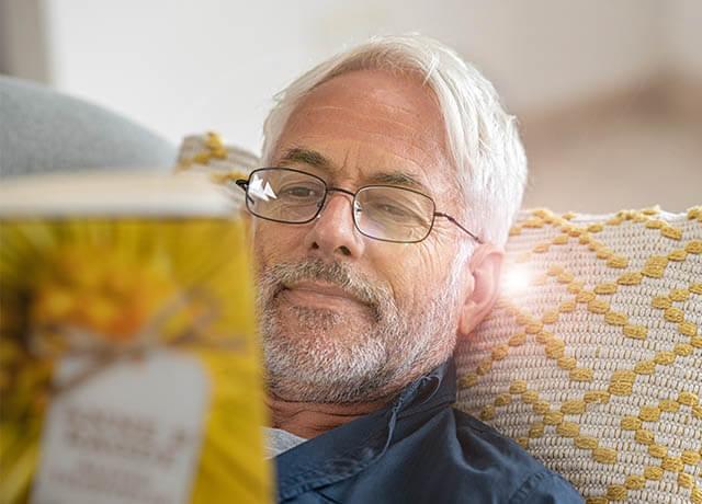 Man Yellow Pillow 640×460