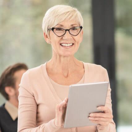 senior woman wearing eyeglasses 640 427x427
