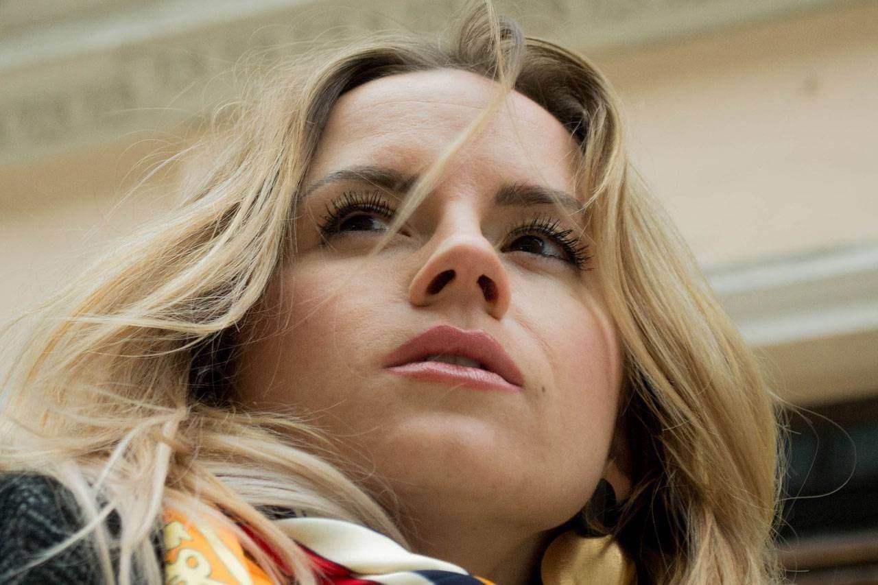 Woman Blond Closeup 1280×853 1.jpg