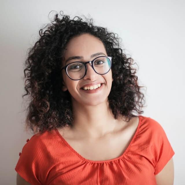 girl-curly-hair-wearing-eyeglasses-640x640-1