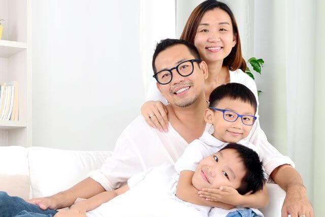 ethnic family 4 people 640 e1593516098170.jpg