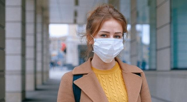 woman-wearing-facemask-640