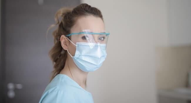 Masks_Can_Cause_Dry_Eye_Symptoms