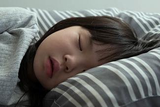 ortho k sleeping