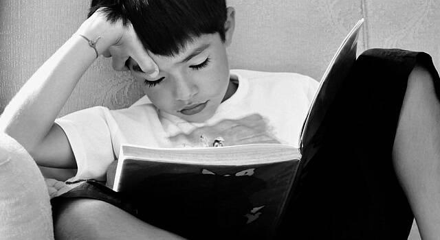child-reading-640x350