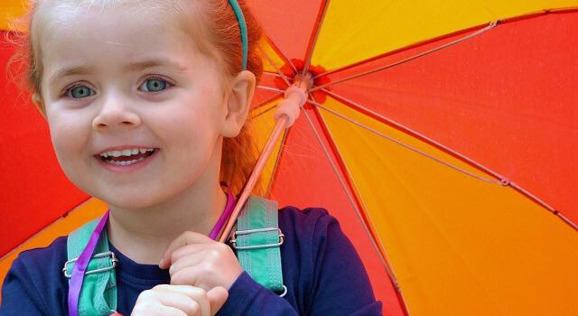 kid-with-umbrella-pediatric-eye-care.640x350