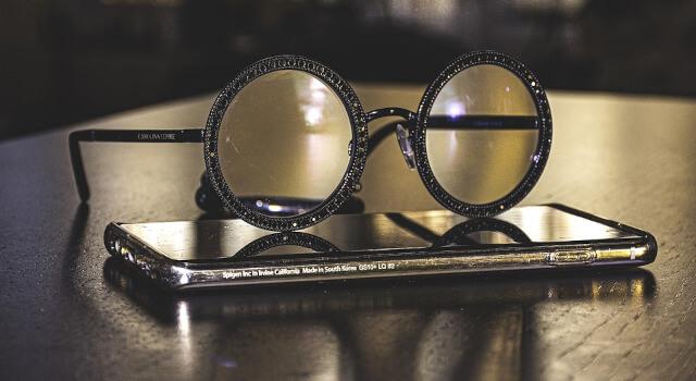 round-black-eye-glasses-near-me.Calgary-AB-640x350-1