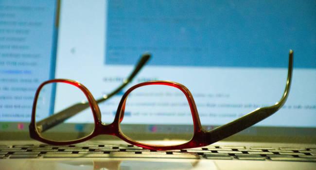 second-par-of-designer-eyeglass-frames-in-Vegas-NV