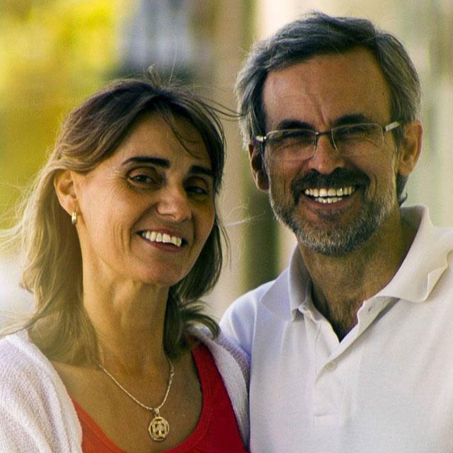 Happy Older Couple Glasses 640×640