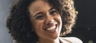 HAPPY BLACK WOMAN SMILING 640PX 330x150