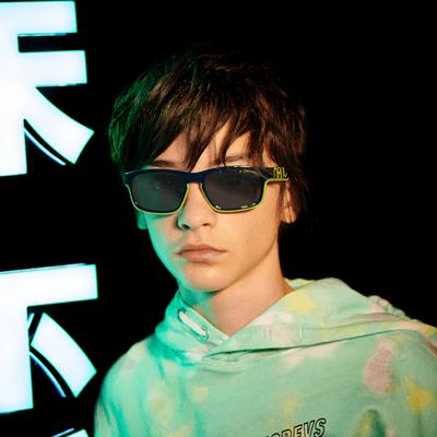 boy wearing nano sunglasses