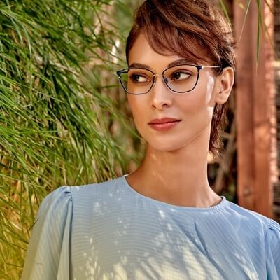 woman wearing fysh eyeglasses