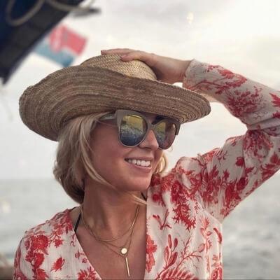 woman wearing maui jim sunglasses