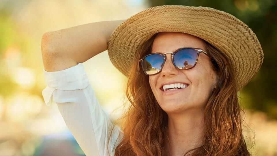 woman-sunhat-sunglasses-summer_h-960x540-c-default