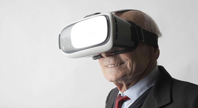 high-tech-senior-640