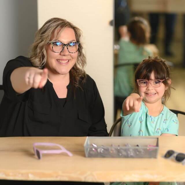 child staff pointing 640px