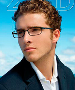 Model wearing LIZOD glasses