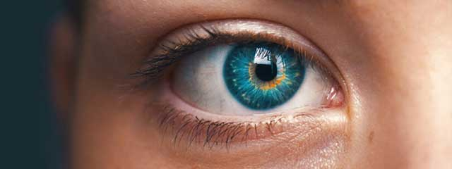 woman close eye 640×240.jpg