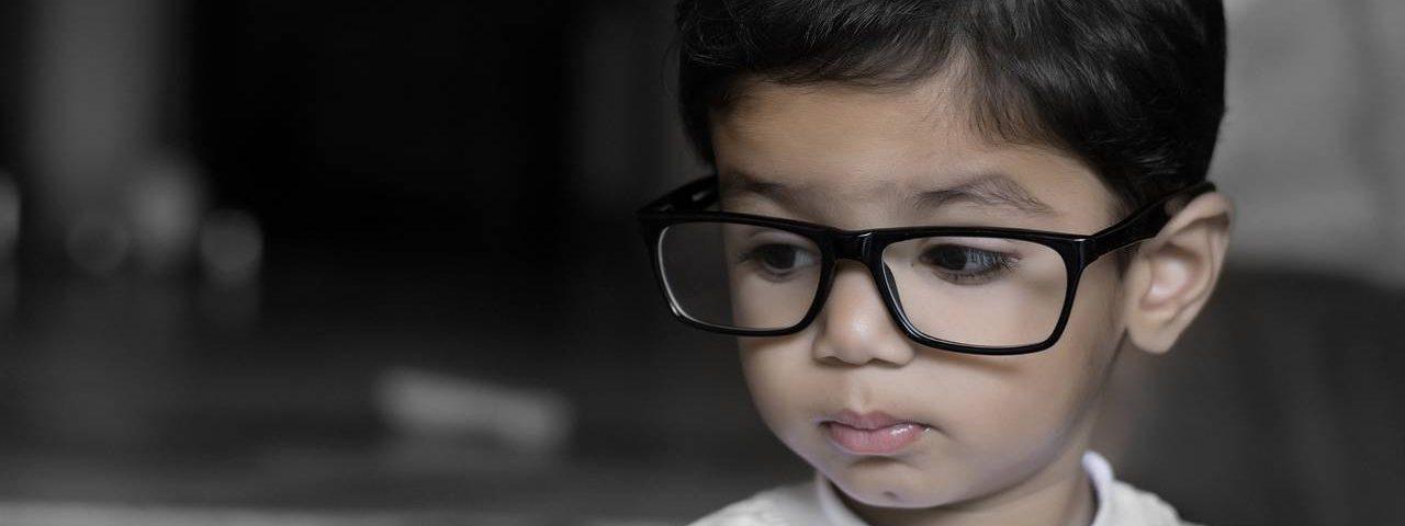 Young Child Big Glasses 1280x853 1280x480