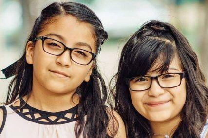 their own photographer   spanish kids eyeglasses 427×284