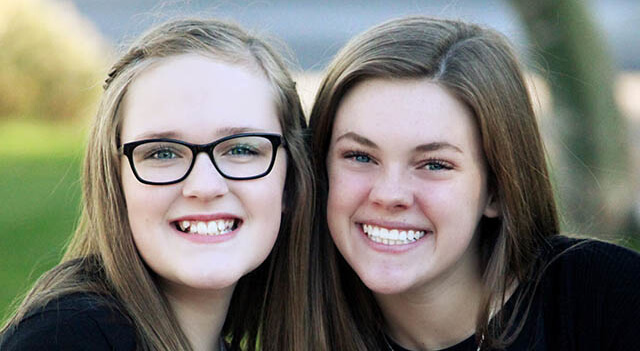 teenage-girls-smiling-640
