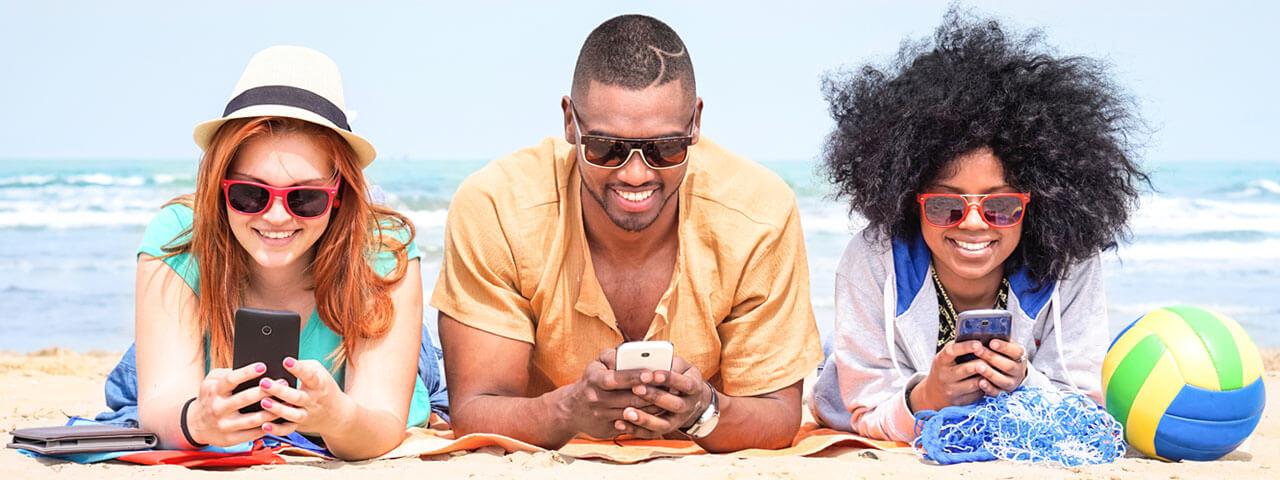 Happy-People-Beach-Sunglasses-1280x480