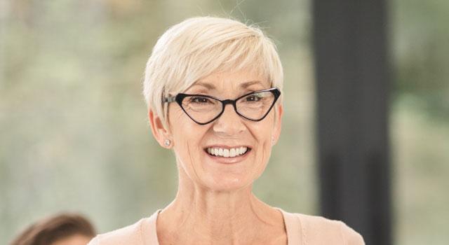 happy senior woman wearing eyeglasses 640