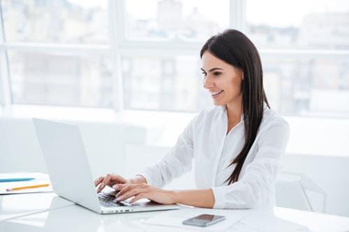 woman-laptop-dream[2]