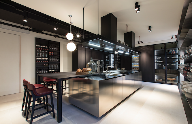 poliform which turns 48 years old this year has had the varenna kitchens brand in its company portfolio since 1996 the rebrand established a cohesive - Poliform Kitchen