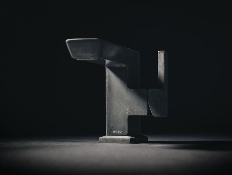 The Vettis Concrete Single-Handle Faucet