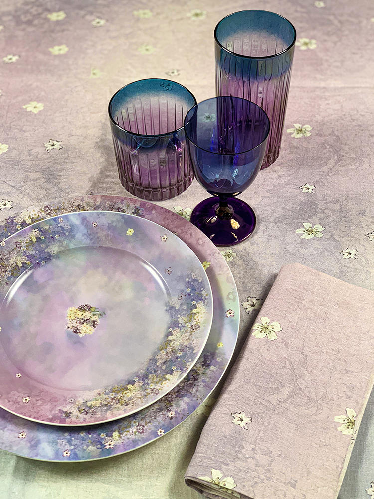 Artemest debuted a tabletop collection in collaboration with fashion designer Luisa Beccaria