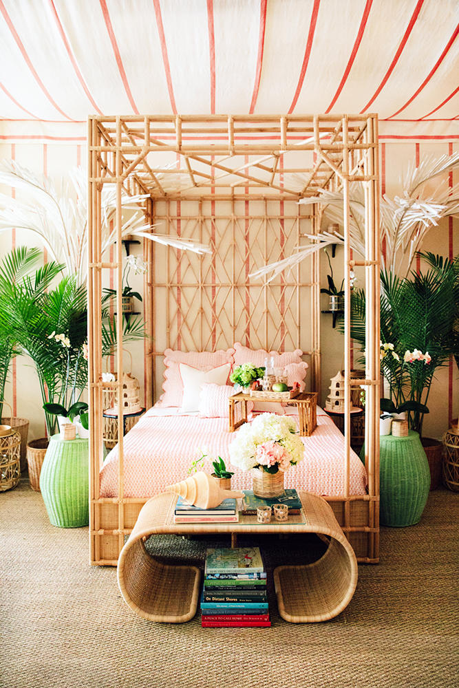 The Paradise Canopy Bed from Lindroth's expanded collection