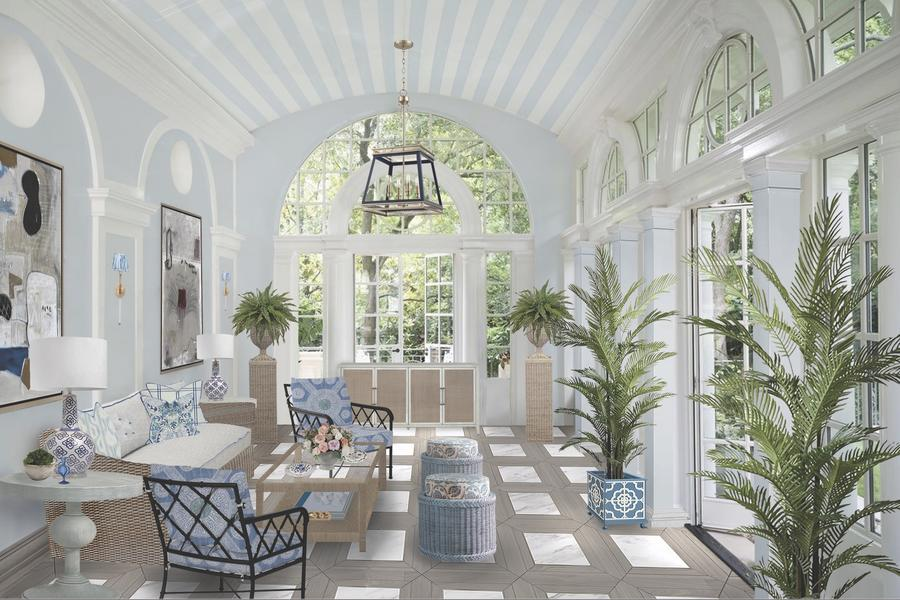 Amanda Reynal designs a year-round escape in a sea of blue and white