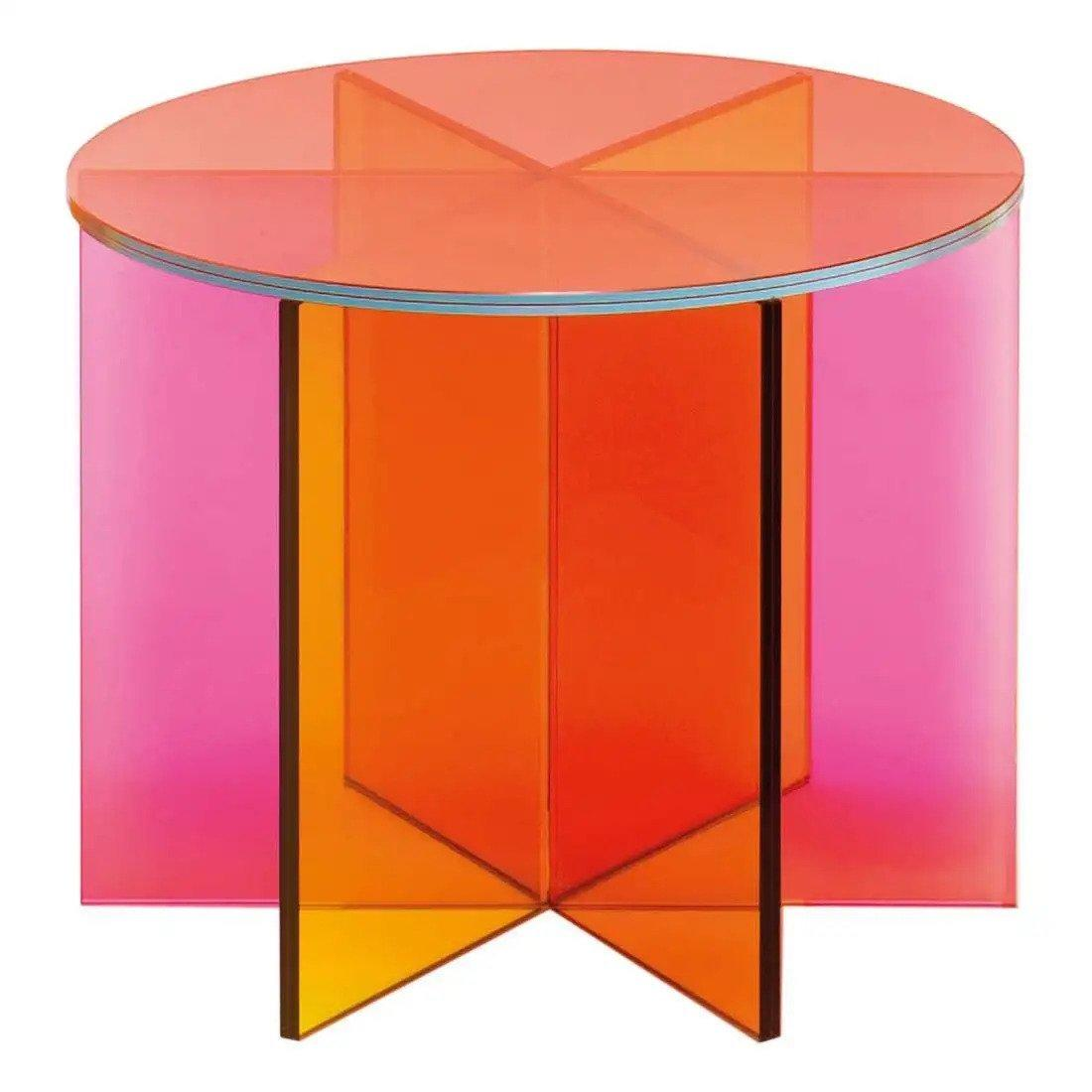 Full transparency: 9 acrylic furniture pieces that will have you thinking clearly
