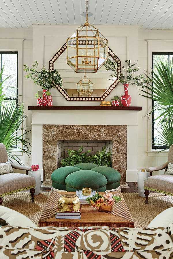 Living Room, courtesy Laurey W. Glenn. Styling: Buffy Hargett Mille