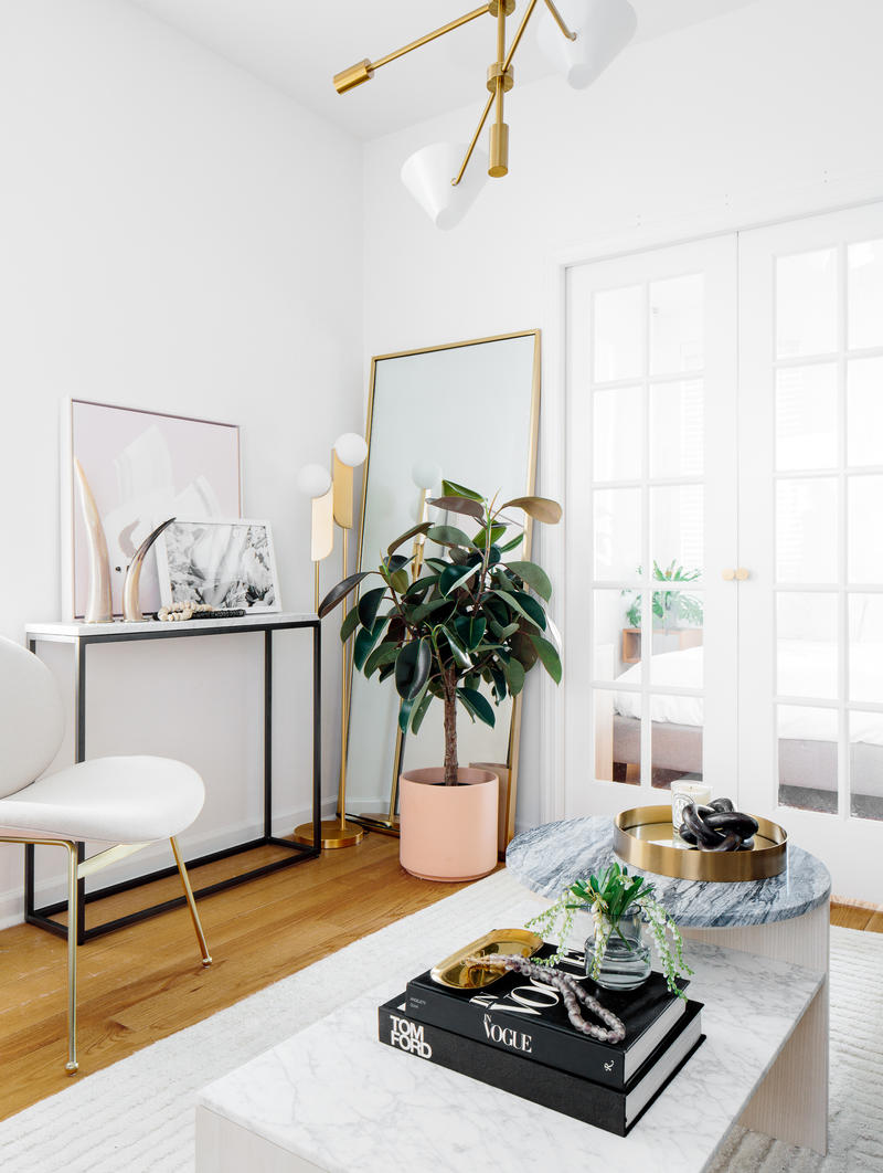 Jeremiah Brent's living room design for Sophie Miura; courtesy Decorist