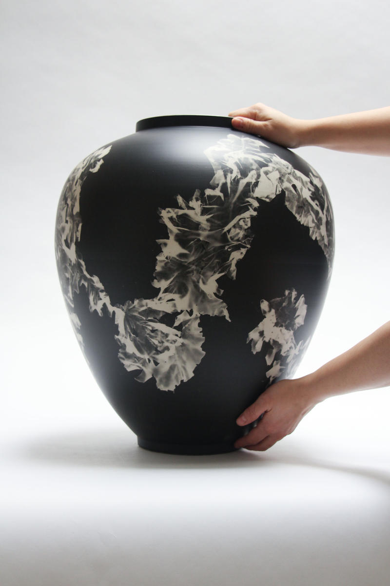 Silverware vase, 2015, UV print of a seaweed on porcelain ceramics, by Glithero
