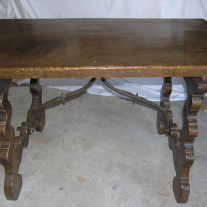 18TH CENTURY SPANISH WRITING TABLE