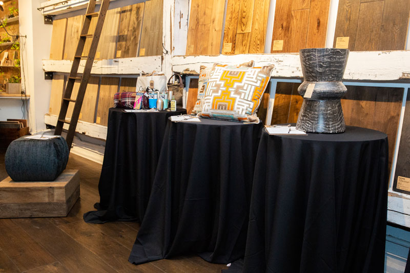 The event featured a silent auction to benefit the Thorn Tree Project.
