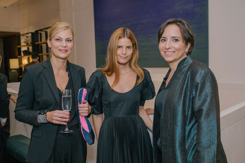 Frauke Meyer, Catherine Holstein and Thais Roda