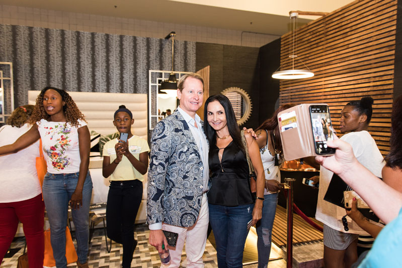Say cheese! Carson Kressley poses for a photo with a Home Show guest.
