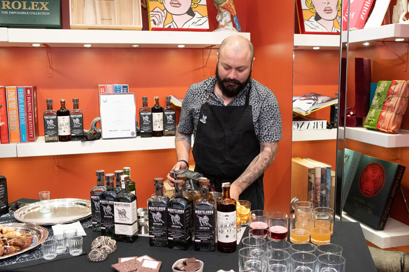 Bartender and Mezcal specialist with Montelobos Mezcal