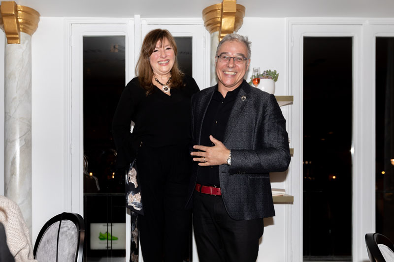 Kim Radovich and ASID NY Metro Chapter president-elect Benjamin Huntington welcome everyone to the farewell dinner.